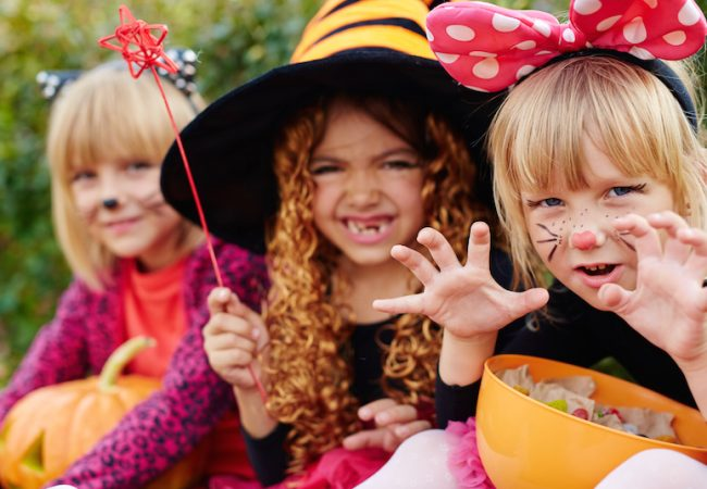 Preschool girls with food allergies trick-or-treat