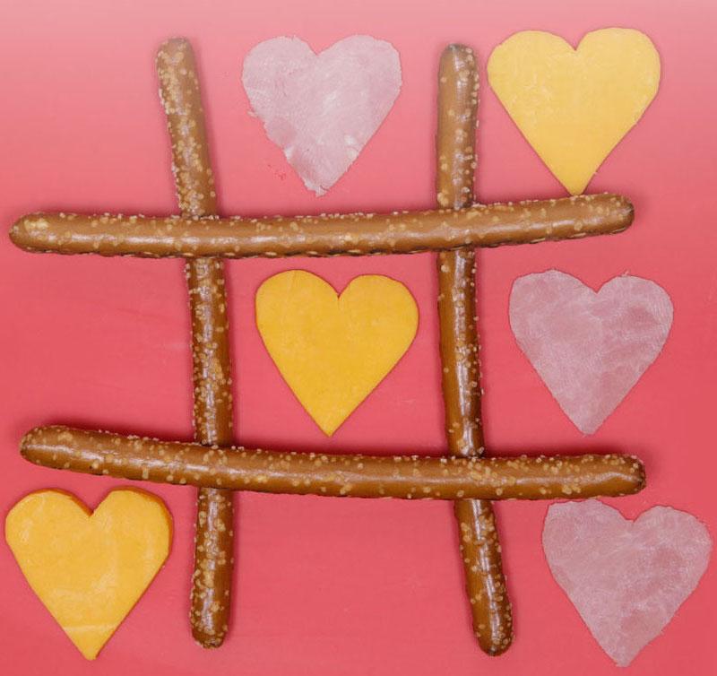 Valentine's Tic Tac Toe Snack